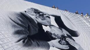 Novo cartaz do festival de Cannes traz um foto de Paul Newman e Joanne Woodward de 1963.
