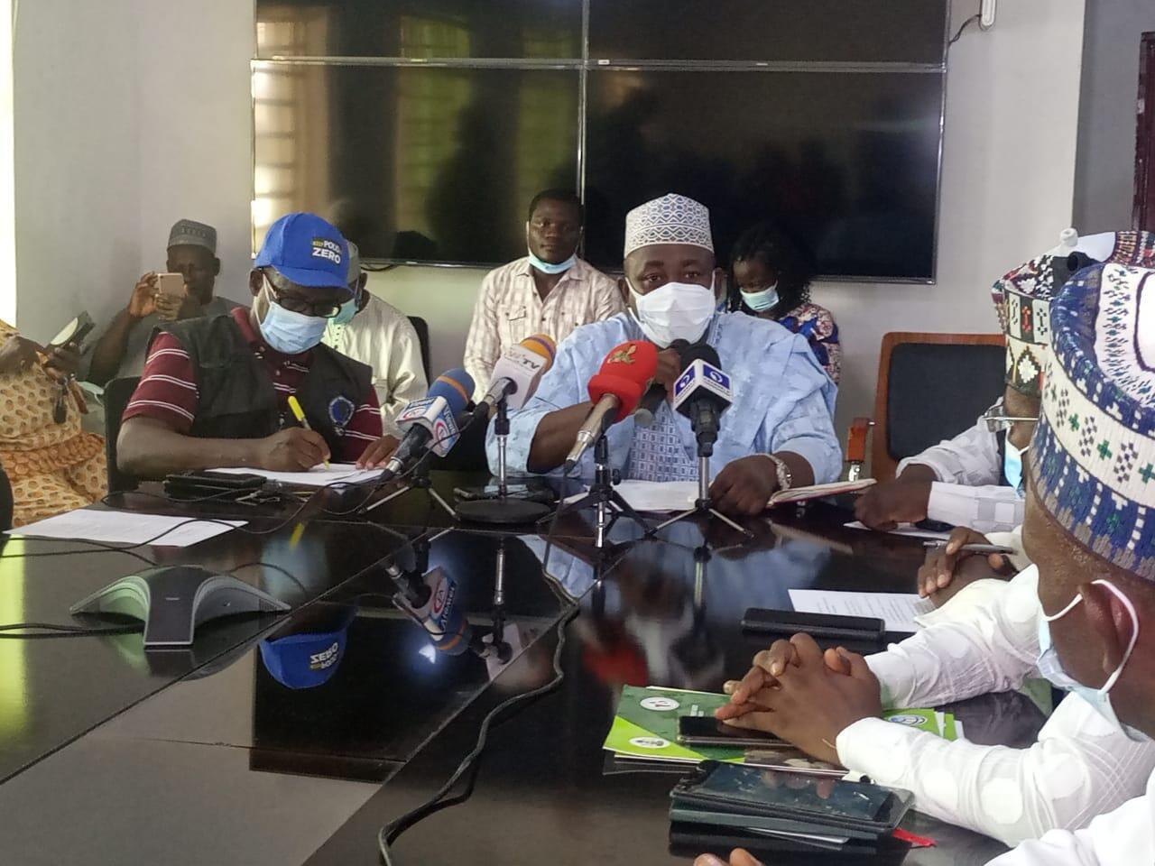 Maigoro-briefing-journalists-on-outbreak-of-Cholera-in-Bauchi-1