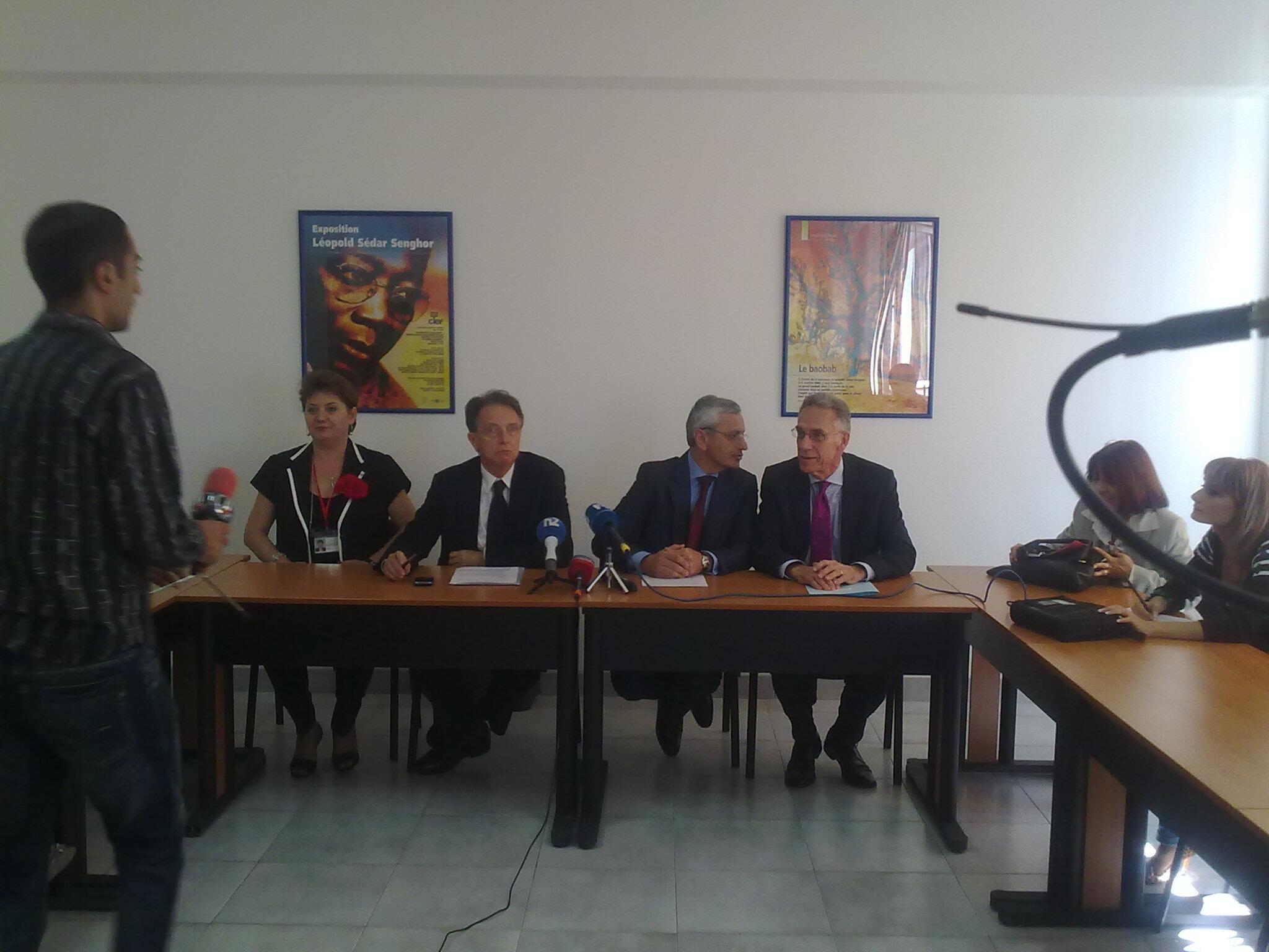 Открытие центра Альянс Франсез д'Армени. Справа - чрезвычайный полномочный посол Франции в Армении Анри Рено