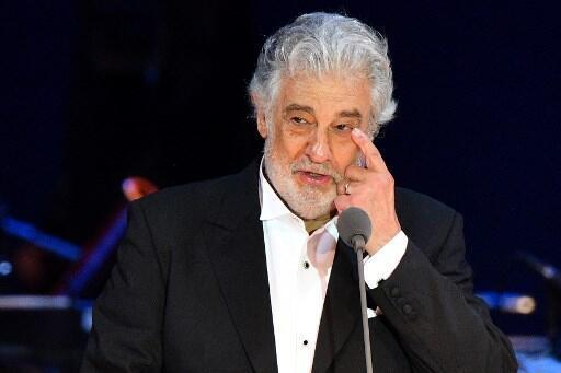 O tenor espanhol Plácido Domingo, acusado de assédio sexual por cerca de 20 mulheres nos Estados Unidos, pediu perdão hoje às vítimas.