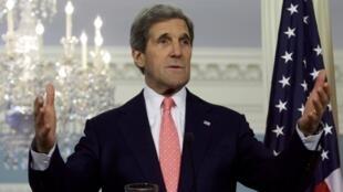 کنفرانس خبری جان کری، وزیر امور خارجه آمریکا در محل ورارت خارجه  این کشور در واشنگتن. ١٠ خرداد/ ٣١ می ٢٠١٣