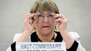Esta imagen de archivo, tomada el 18 de diciembre de 2019, muestra a la Alta Comisionada de la ONU para los Derechos Humanos, Michelle Bachelet, durante una reunión en las oficinas de las Naciones Unidas en Ginebra