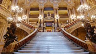Nhà hát opéra Garnier của Đoàn ca vũ kịch Paris, Pháp.