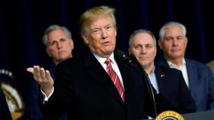 Le président Donald Trump se retrouve critiqué suite à un nouveau dérapage qualifiant de «pays de merde» Haïti et le Salvador.