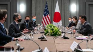 美日两国外长及团队会谈资料图片