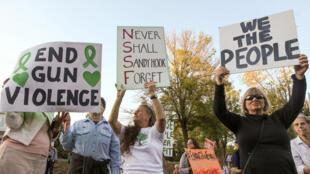 Manifestantes pedem fim da violência com armas de fogo nos EUA