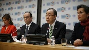 UN Secretary-General Ban Ki-moon and French President Hollande hold a press conference on the sidelines of the Paris Agreement on climate change held at the United Nations Headquarters in New York (22/04/2016)