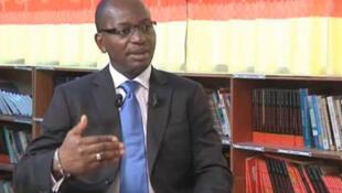 Bienvenu Okiémy, ministre de la Communication et des Relations avec le Parlement du Congo Brazzaville (Capture d'écran).