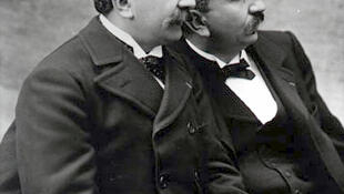 The Lumière brothers introduced the idea of projecting films for a mass audience.