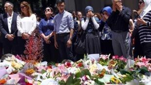 Flores foram depositadas no local do sequestro, em Sydney.