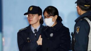 Choi Soon-sil, la confidente occulte de l'ex-présidente sud-coréenne, après sa condamnation à 20 ans de prison, le 13 février 2018.