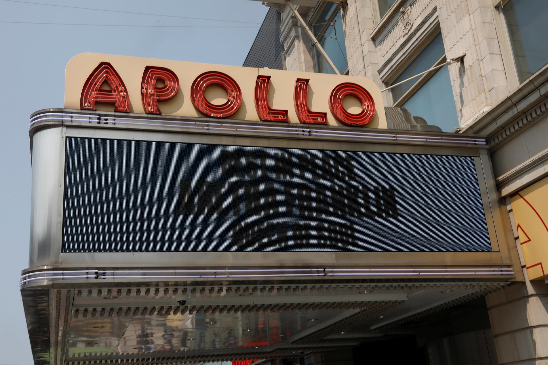 L'hommage à Aretha Franklin de l'Apollo Theater, une illustre salle de spectacle dans le quartier de Harlem à New York, ce jeudi 16 août 2018.