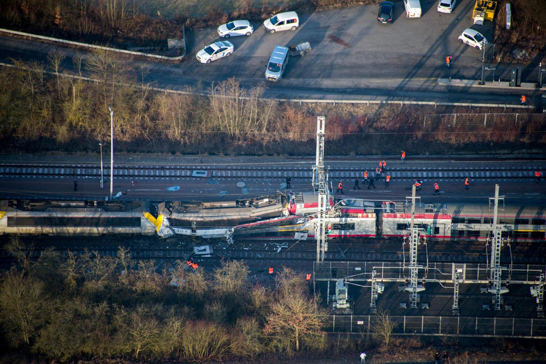 Os dois trens colidiram na em Düdelingen, no Grão-Ducado de Luxemburgo.
