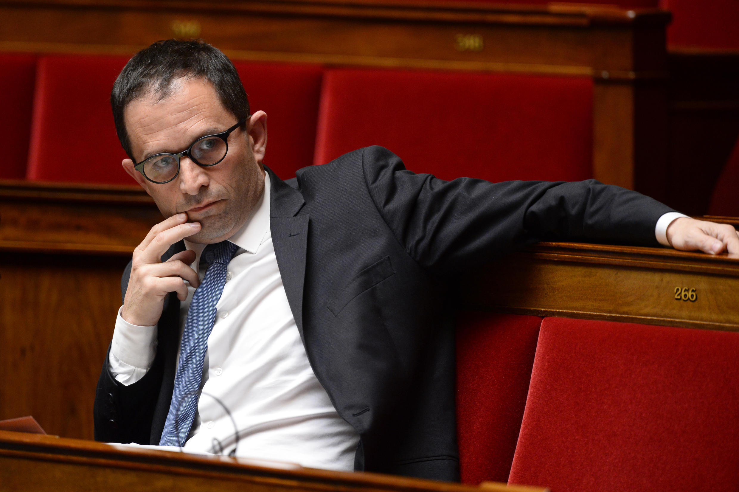 Benoît Hamon has urged French President François Hollande to take a clear position on the burkini issue.