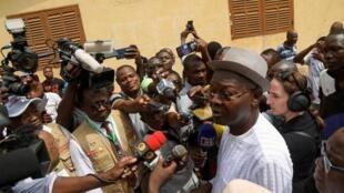 L'opposant Agbéyomé Kodjo s'apprêtant à aller voter, le 22 février 2020 à Lomé.