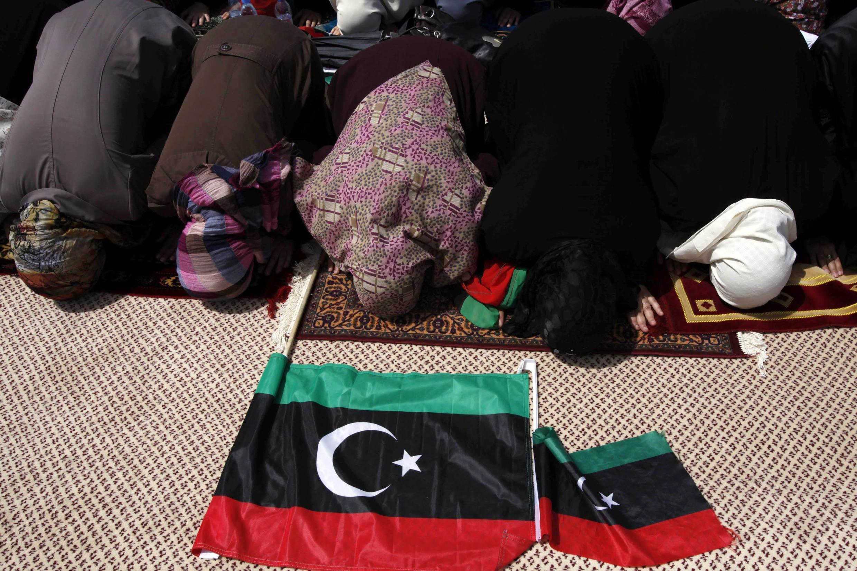 ФОТО: Молитва на площади Мучеников, 2 сентября 2011 года