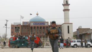Шиитская мечеть в Кабуле, где произошло нападение смертника, 21 ноября 2016 г.