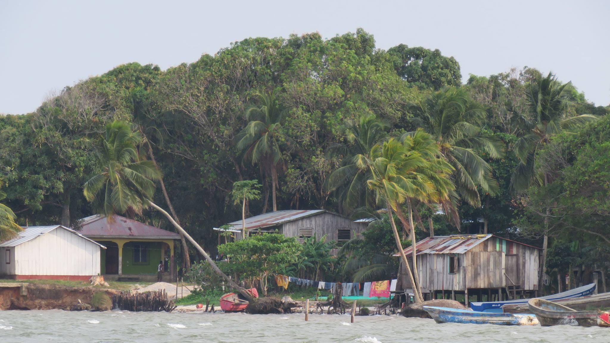 Las poblaciones viven aisladas en esta región de la mosquitia hondureña.