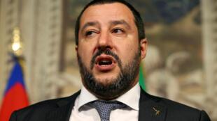 Глава МВД Италии приехал на место трагедии только на следующий день после катастрофы
