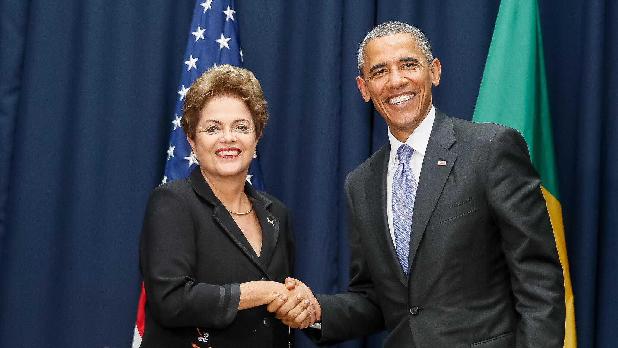 Le présidente brésilienne Dilma Rousseff lors de sa rencontre avec le président américian Barack Obama, lors du sommet de Panama, le 11 avril 2015.