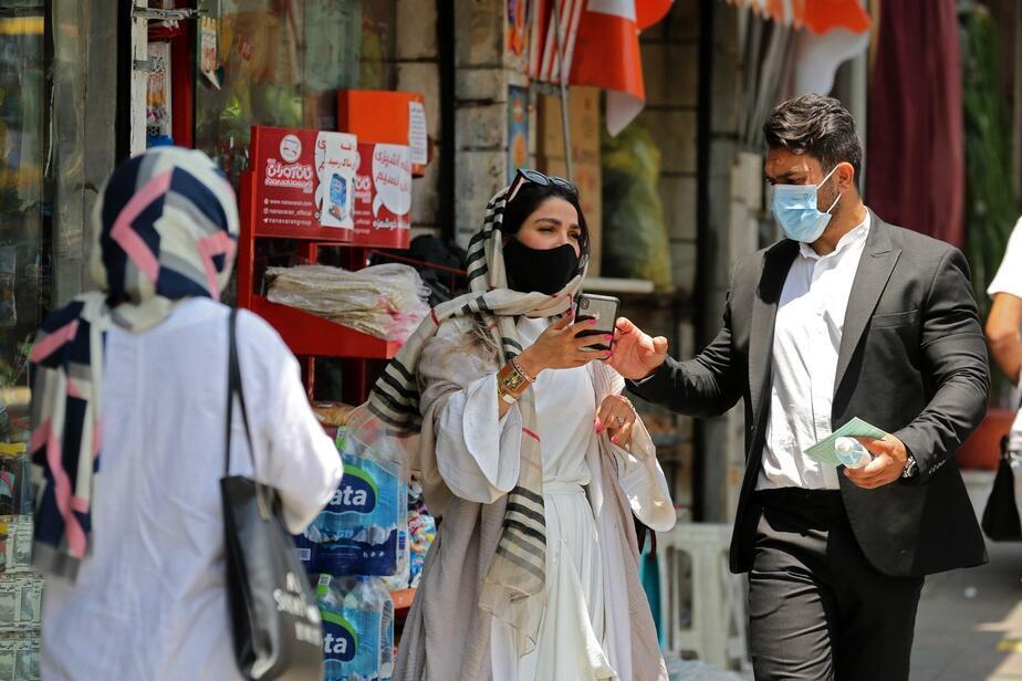 Depuis fin juin, le ministère de la Santé avait lancé une campagne « Je porte un masque » pour inciter les Iraniens à se protéger contre le virus.