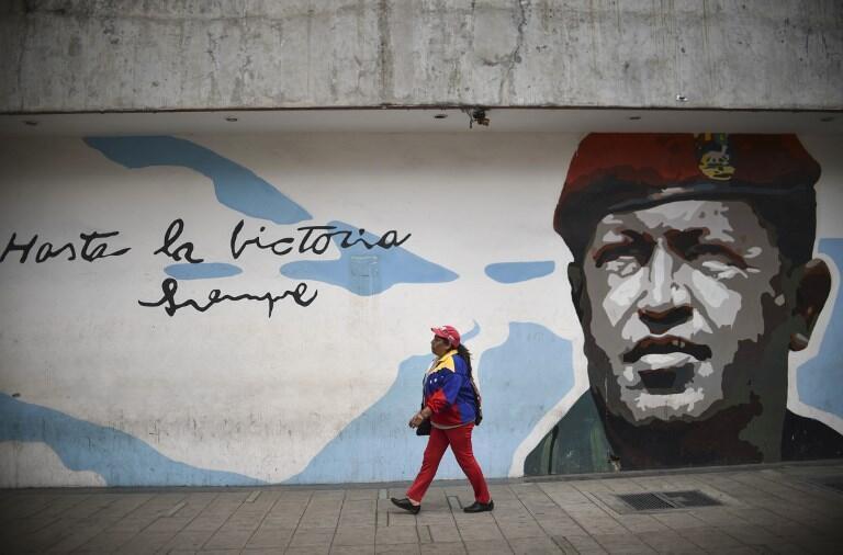 Un graffiti en l'honneur de l'ancien président vénézuélien Hugo Chavez le 6 décembre 2018.