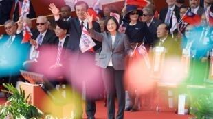 台湾总统蔡英文在台北双十节上 2019年10月10日