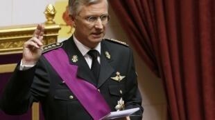 Novo rei Philippe da Bélgica presta juramento ao assumir trono neste domingo, 21 de julho de 2013.
