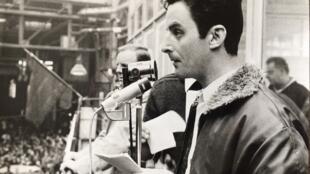 El 17 de mayo de 1968, Aimé Halbeher, arenga ante los obreros de la fábrica Renault-Billancourt.