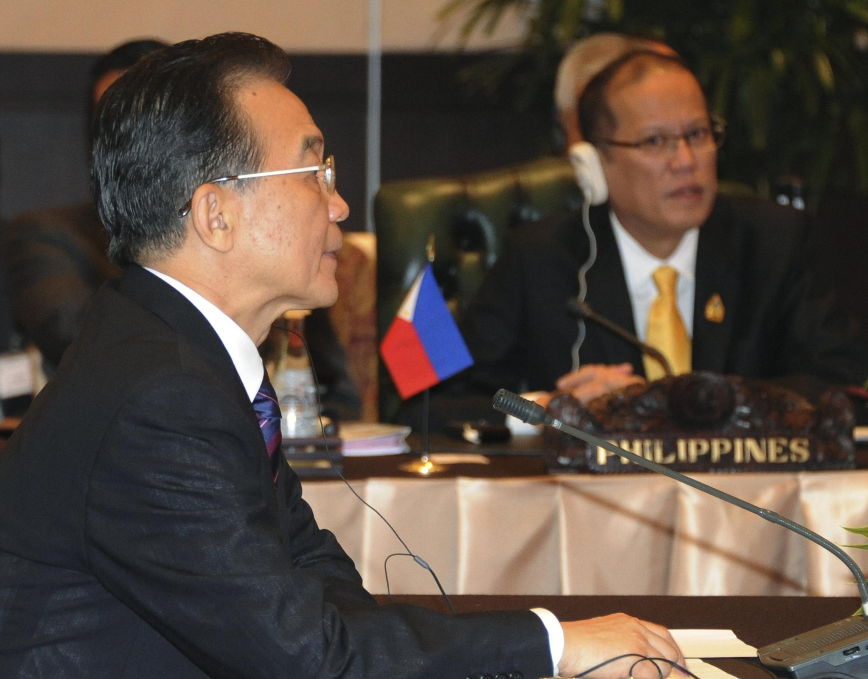 溫家寶和蘇西洛在東盟峰會上2011年11月18日