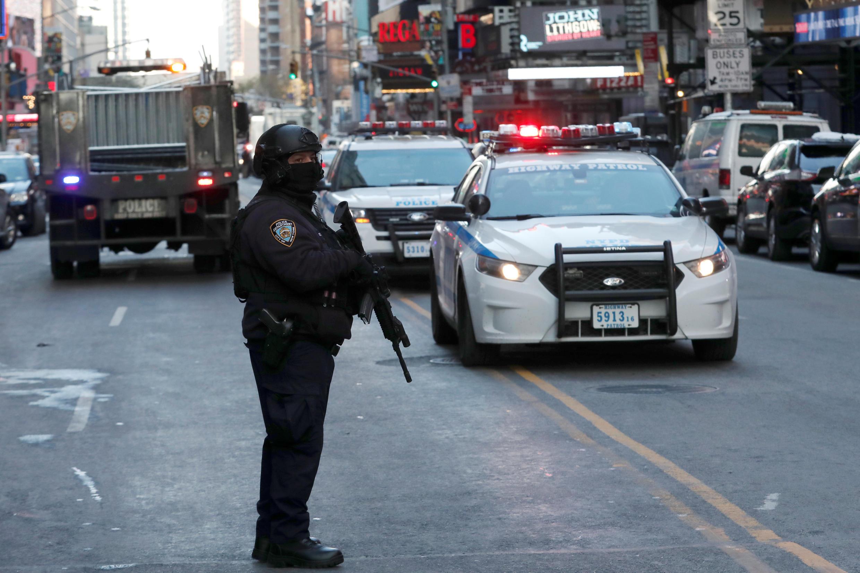 Sau vụ nổ ở New York, cảnh sát phong tỏa khu vực gần khu vực Port Authority, khởi điểm của nhiều tuyến xe buýt trên đảo Manhattan.