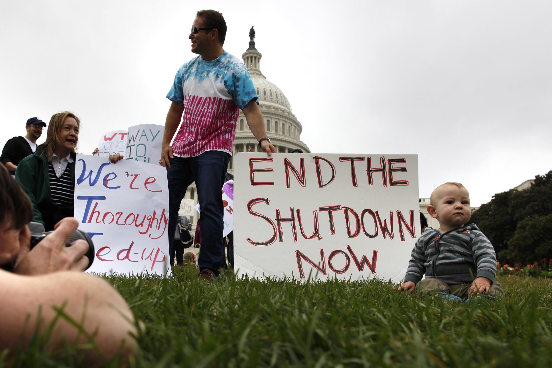 Biểu tình tại Washington chống việc chính quyền bị đóng cửa. Ảnh chụp ngày 13/10/2013.