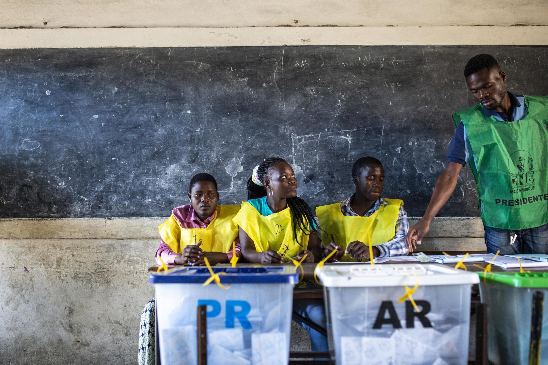 Voto na escola primária Amílcar Cabral, na cidade da Beira. 15 de Outubro de 2019.