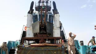Des gardes-côtes libyens au large de Syrte le 6 octobre 2016.