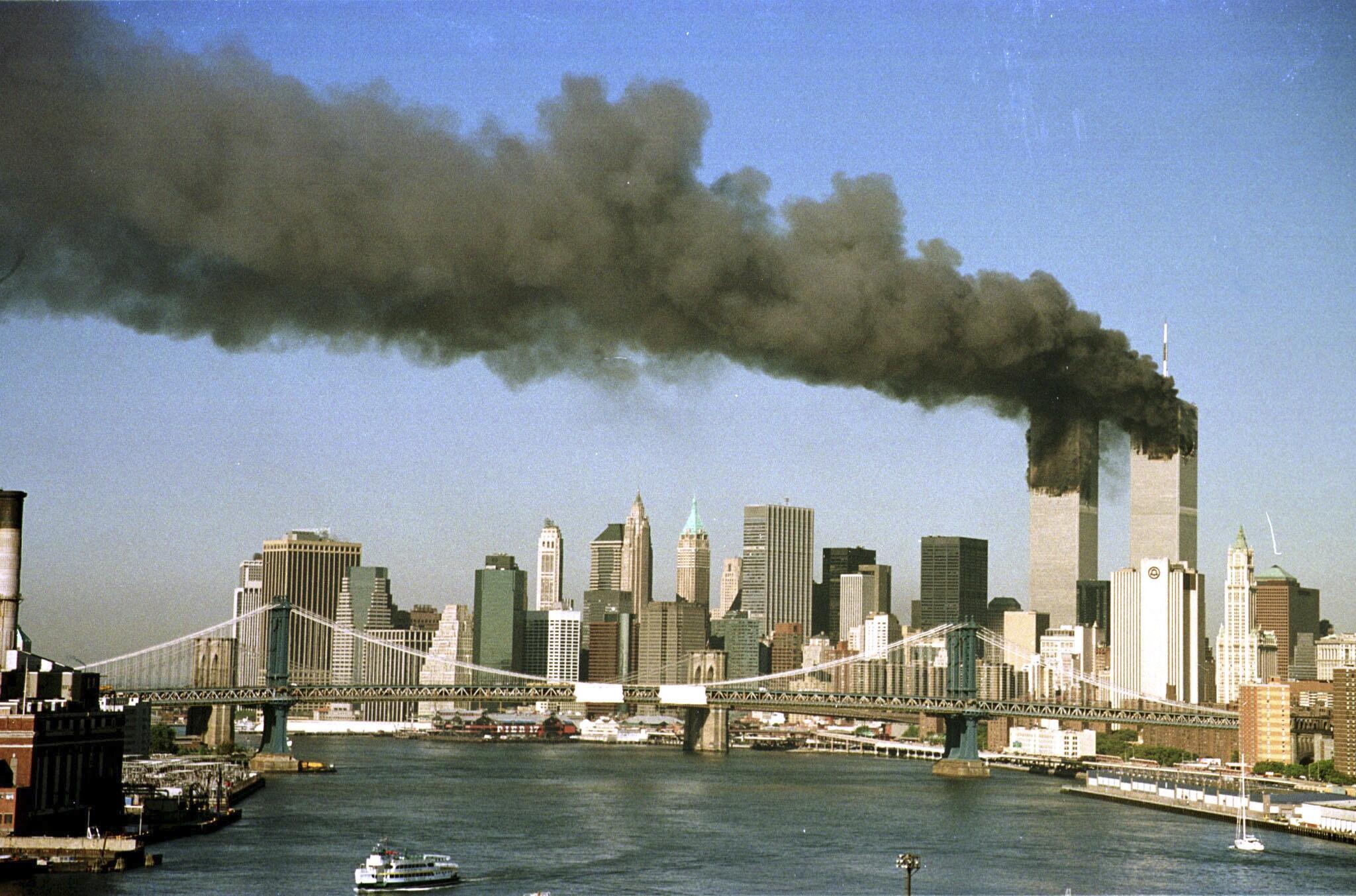 Les attentats du 11 septembre 2001 contre le World Trade Center, à New York.