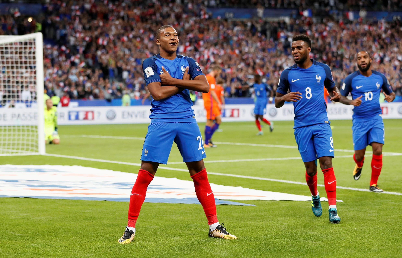 Ảnh minh họa: Danh thủ Pháp Kylian Mbappé trong một trận đấu năm 2017.