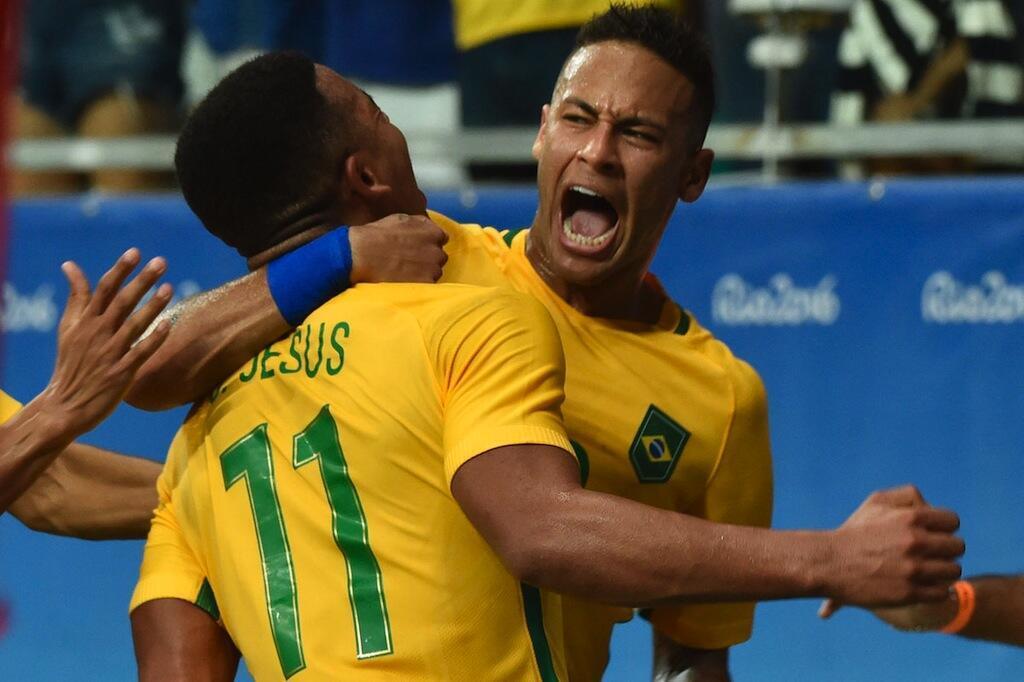 Wachezaji wa Brazil wakisherehekea ushindi baada ya kufuzu katika hatua ya fainali Agosti 17 2016