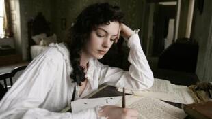 Anne Hathaway trong phim tiểu sử Jane Austen quay vào năm 2007