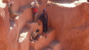 La mine d'or illicite de Soamahamanina, à environ 150km d'Antananarivo, à Madagascar.