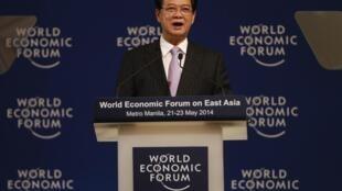 Thủ tướng Việt Nam Nguyễn Tấn Dũng phát biểu tại Diễn đàn Kinh tế Thế giới - Đông Á, ở Manila, Philippines. Ảnh chụp ngày 22/05/2014.