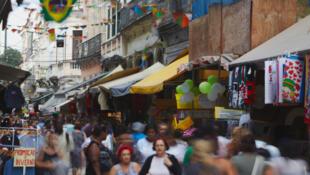 Dans une rue de Rio de Janeiro, au Brésil.