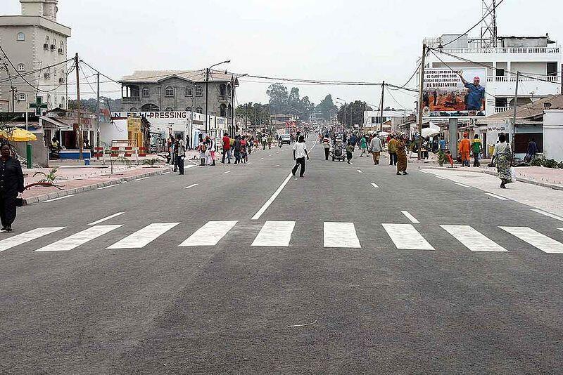 Une rue du centre-ville de Brazzaville.
