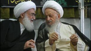 نوری همدانی و مکارم شیرازی دو روحانی وابسته به حکومت اسلامی ایران