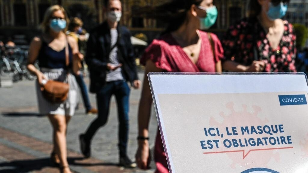 France could face a runaway spread of Covid-19, science council warns
