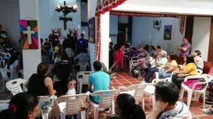 Une réunion des membres de COLVENZ, la colonie des Vénézuéliens en Colombie installée à Medellin.