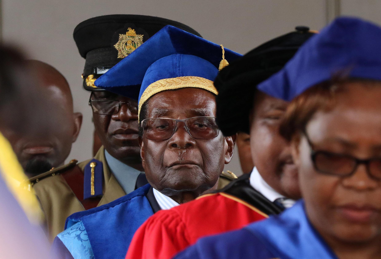 رابرت موگابه، در یک مراسم دانشگاهی در هراره
