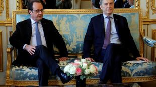 O presidente francês François Hollande recebeu o líder argentino Mauricio Macri no sábado em Paris.