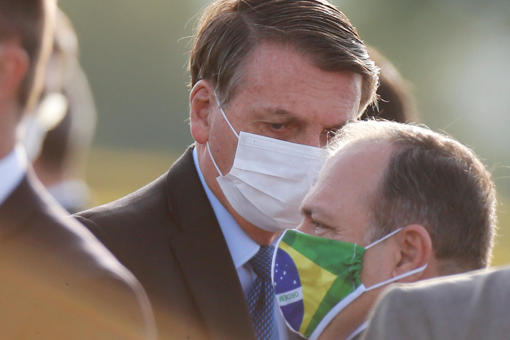 O Brasil já conta com mais de 1 milhão de casos confirmados do coronavírus e mais de48 mil mortes desde que a pandemia foi assinalada no país.