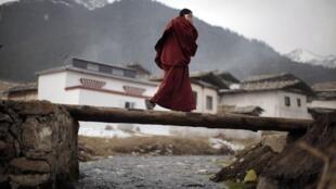 Một tu sĩ Tây Tạng tại tỉnh Tứ Xuyên. Ảnh chụp ngày 22/02/2012.