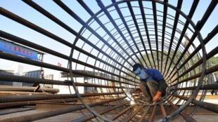 Công trường xây dựng một nhà ga xe lửa tại Trữ Ba, tỉnh Chiết Giang, Trung Quốc, ngày 06/12/2012